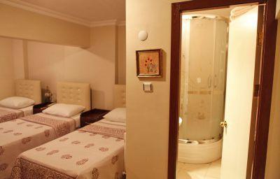 Best_Piran-Istanbul-Triple_room-2-543397.jpg