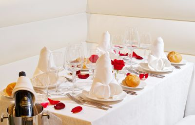Style_Hotel-Milan-Restaurant-1-543819.jpg