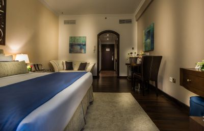 Info First Central Hotel Apartments
