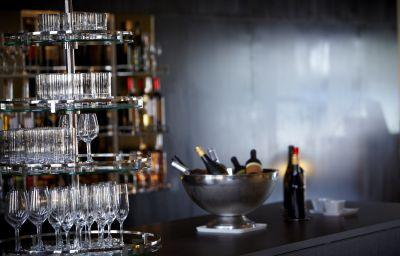 B2_Boutique_Hotel_Spa-Zurich-Hotel_bar-3-544913.jpg