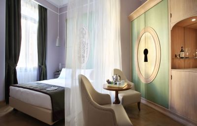 Chateau_Monfort-Milan-Double_room_superior-545146.jpg