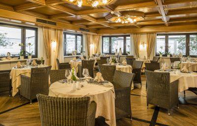 Weinegg-Appiano_sulla_Strada_del_Vino-Restaurantbreakfast_room-2-545643.jpg