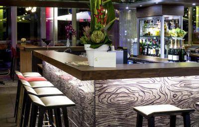 Bar del hotel Novotel Lyon Confluence