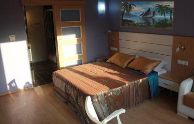 Khalkedon-Istanbul-Triple_room-3-546069.jpg
