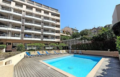 AppartHotel_Odalys_Les_Felibriges-Cannes-Pool-1-546358.jpg