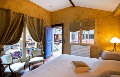 Loft_Isabelle-Courbevoie-Double_room_standard-546426.jpg