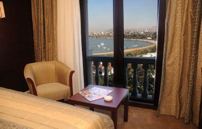 Paradise_Island_Hotel-Darica-Double_room_standard-2-546417.jpg