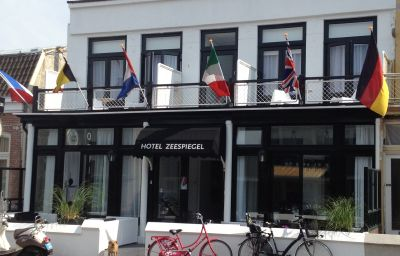 Zeespiegel-Zandvoort-Hotel_outdoor_area-547200.jpg