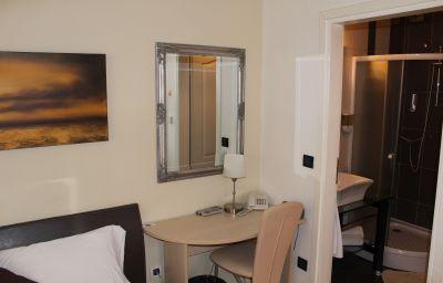 Villa_Zrina-Zagreb-Double_room_standard-5-547368.jpg