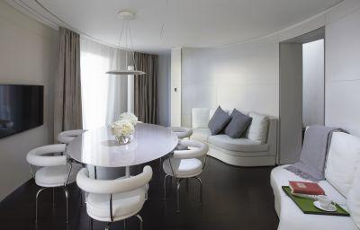 Breakfast room ME London