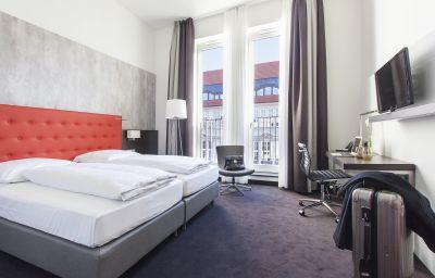 Winters_The_Wall-Berlin-Standard_room-547897.jpg