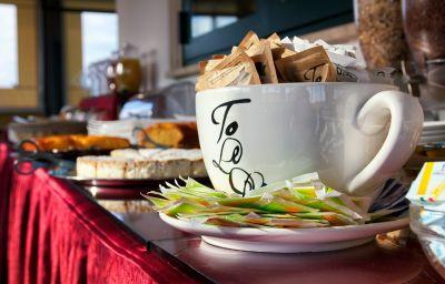 Petit-déjeuner buffet OC Hotel Villa Adriana