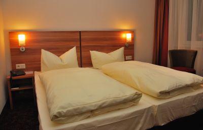 Tannhaeuser_Hotel_Rennsteigblick-Friedrichroda-Double_room_standard-548546.jpg