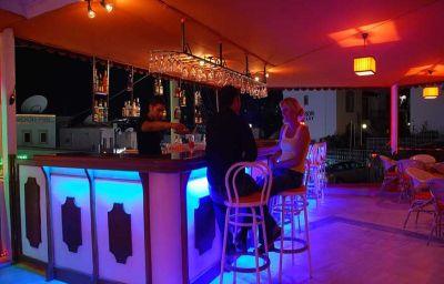 Bar de l'hôtel Vela Club Hotel