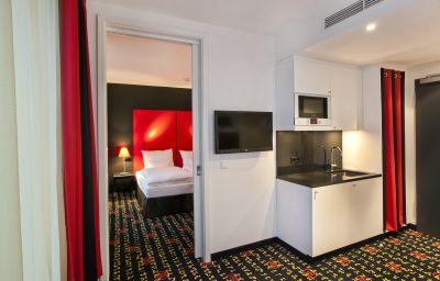 angelo_Munich_Westpark-Munich-Kitchen_in_room-1-549409.jpg