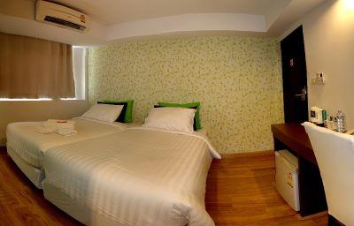 Nantra_Silom-Bangkok-Double_room_standard-549987.jpg