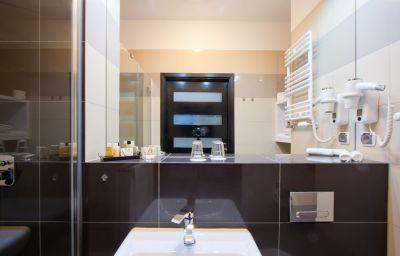 High_Tower_Apartamenty_Szczecin-Szczecin-Bathroom-9-550667.jpg