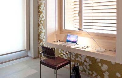 Room NU Hotel