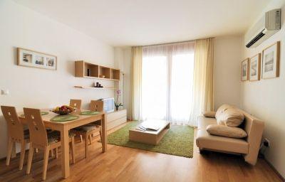Comfort_Apartments-Budapest-Room-9-552981.jpg