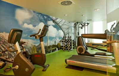 RAMADA_Hotel_Conference_Center_Muenchen_Messe-Munich-Fitness_room-553034.jpg