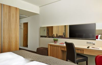 RAMADA_Hotel_Conference_Center_Muenchen_Messe-Munich-Single_room_standard-4-553034.jpg
