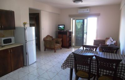 Chrysanthos_Boutique_Apartments-Limassol-Apartment-5-553593.jpg