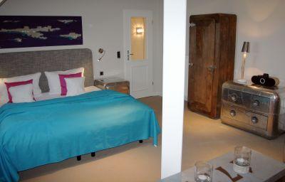 Triple room Villa 54° Nord