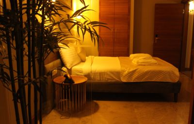 Budget double room Nowy Efendi Hotel