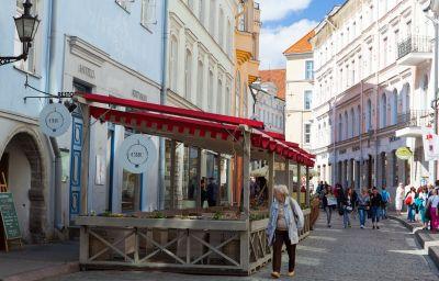 Cru-Tallinn-Terrace-2-556671.jpg