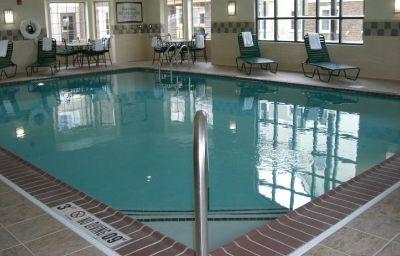Swimming pool Staybridge Suites BISMARCK