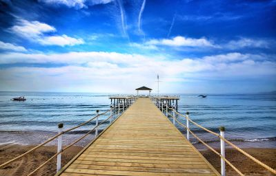 Ramada_Resort_Lara-Antalya-Beach-1-580477.jpg