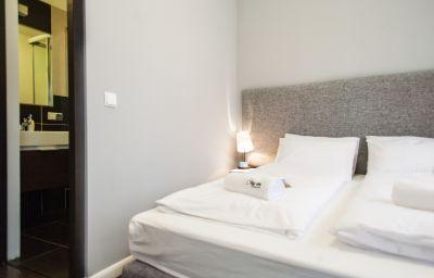 Stay_Inn-Gdansk-Triple_room-5-587705.jpg