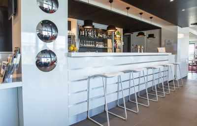 Holiday_Inn_Express_DIJON-Saint-Appolinaire-Hotel_bar-14-587930.jpg