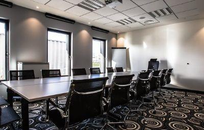 Holiday_Inn_Express_DIJON-Saint-Appolinaire-Conference_room-3-587930.jpg