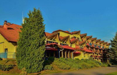 Mazurski_Raj_Hotel_MarinaSPA-Ruciane-Nida-Hotel_outdoor_area-3-588451.jpg