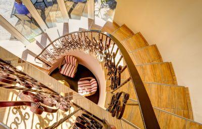 Bistro_Boema_Pensiune-Ploiesti-Hotel_indoor_area-627514.jpg