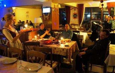 Bistro_Boema_Pensiune-Ploiesti-Restaurant-1-627514.jpg