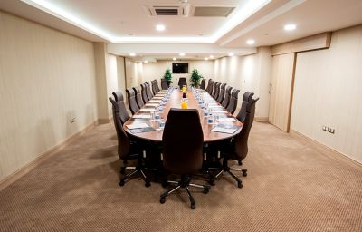 Golden_Way_Hotel_Giyimkent-Istanbul-Meeting_room-628586.jpg