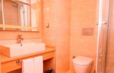 Golden_Way_Hotel_Giyimkent-Istanbul-Bathroom-1-628586.jpg