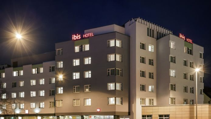 Exterior view ibis Nuernberg City am Plaerrer