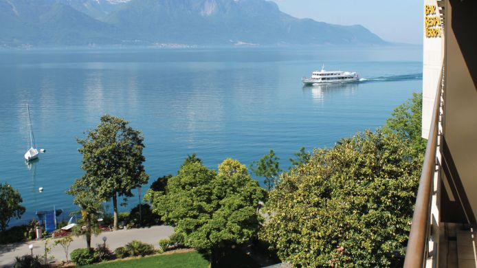 Room with a view of the lake Royal Plaza Montreux & Spa