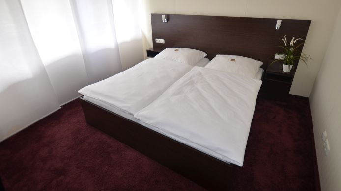 Double room (superior) AAA Budget Hotel