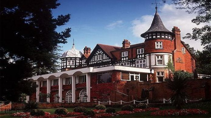 Exterior view Macdonald Berystede Hotel and Spa