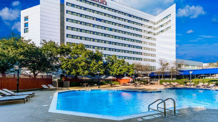 Buitenaanzicht Sheraton North Houston at George Bush Intercontinental