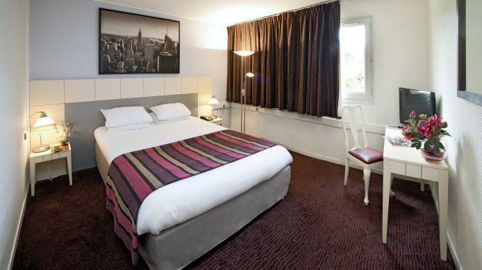Double room (standard) QUALYS-HOTEL Golf Paris Est