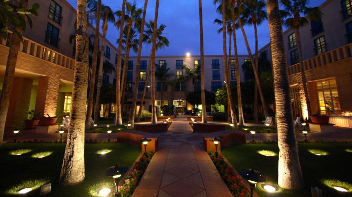Exterior view TEMPE MISSION PALMS HOTEL AND CONFERENCE