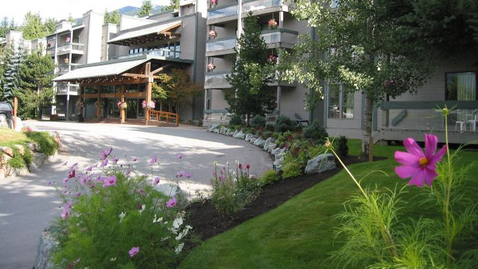 Exterior view TANTALUS LODGE