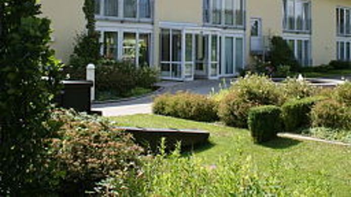 Exterior view Quality Hotel & Suites Muenchen Messe