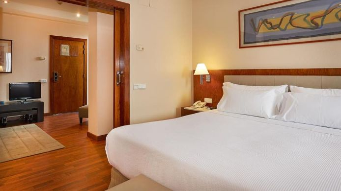 Suite NH Barcelona Entenza