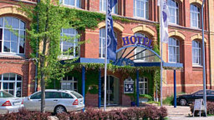 Buitenaanzicht Alte Spinnerei Center Hotel